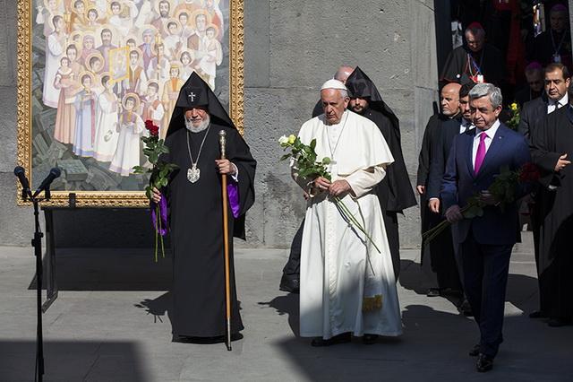 Papst250516D_resize