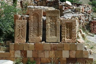 Khatchkar11
