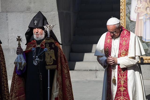 Papst250516E_resize